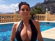 BIG Boobs Bouncing – YouTube