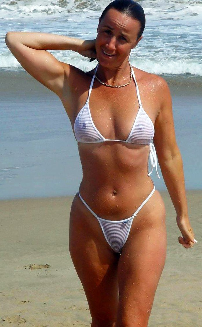 Amateur Milf In Sexy Bikini On The Beach  Sexpinnet -6813