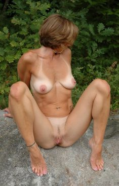 The hot milf shows everything – Imgur