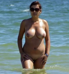 Amateur busty milf in sea