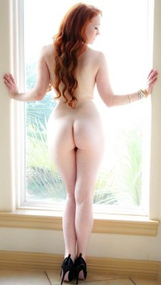 Amazing redhead with sexy body