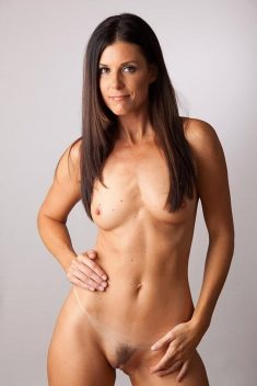 US Pornstar India Summers poses naked