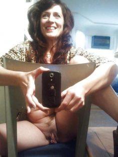 Wet cunt belonging to horny mom