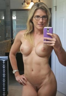 Hot Milf Cory Chase and her nude selfie
