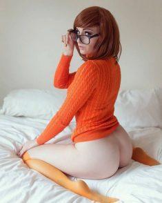 Kayla Erin – Velma Cosplay