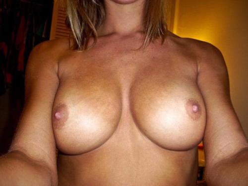 Teen girl showing boobs from tumblr