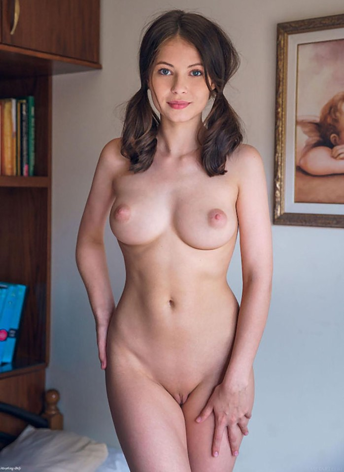 shaved pussy Cute
