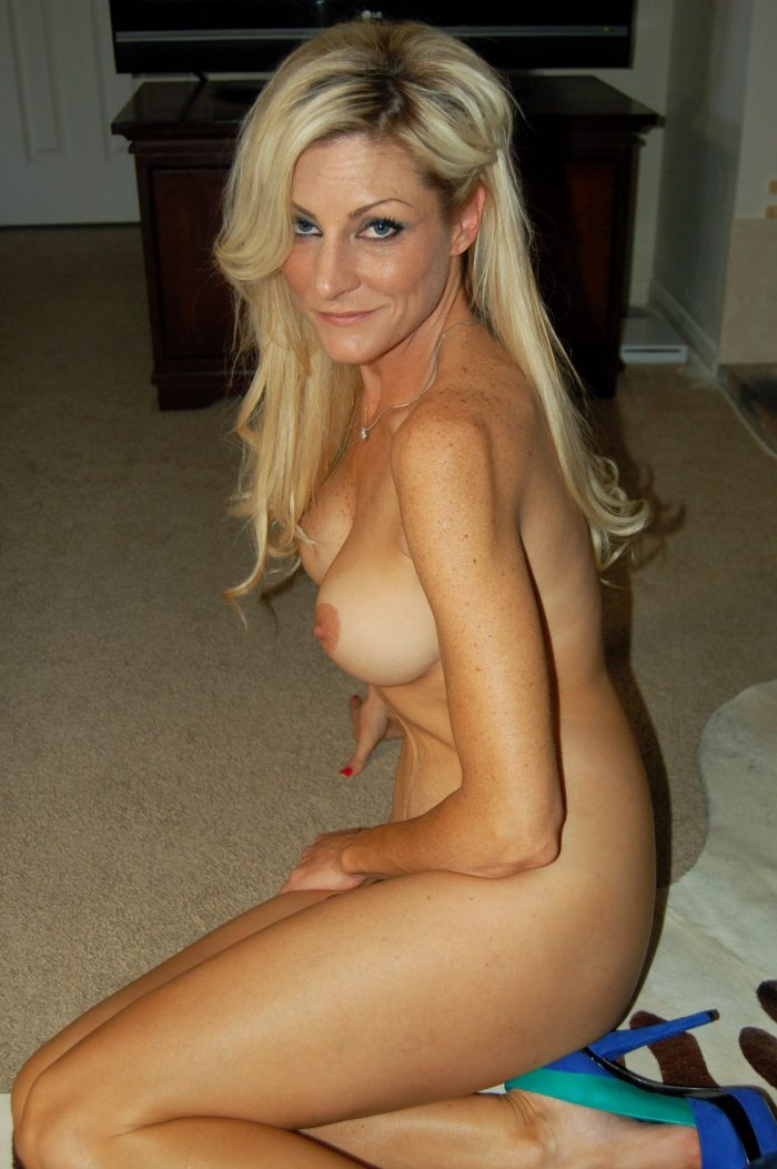 Mature blonde with nice big boobs