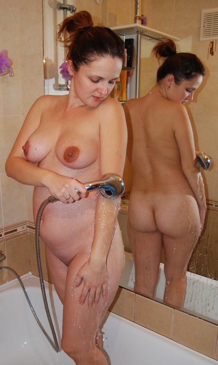 Pregnant woman in bathtub