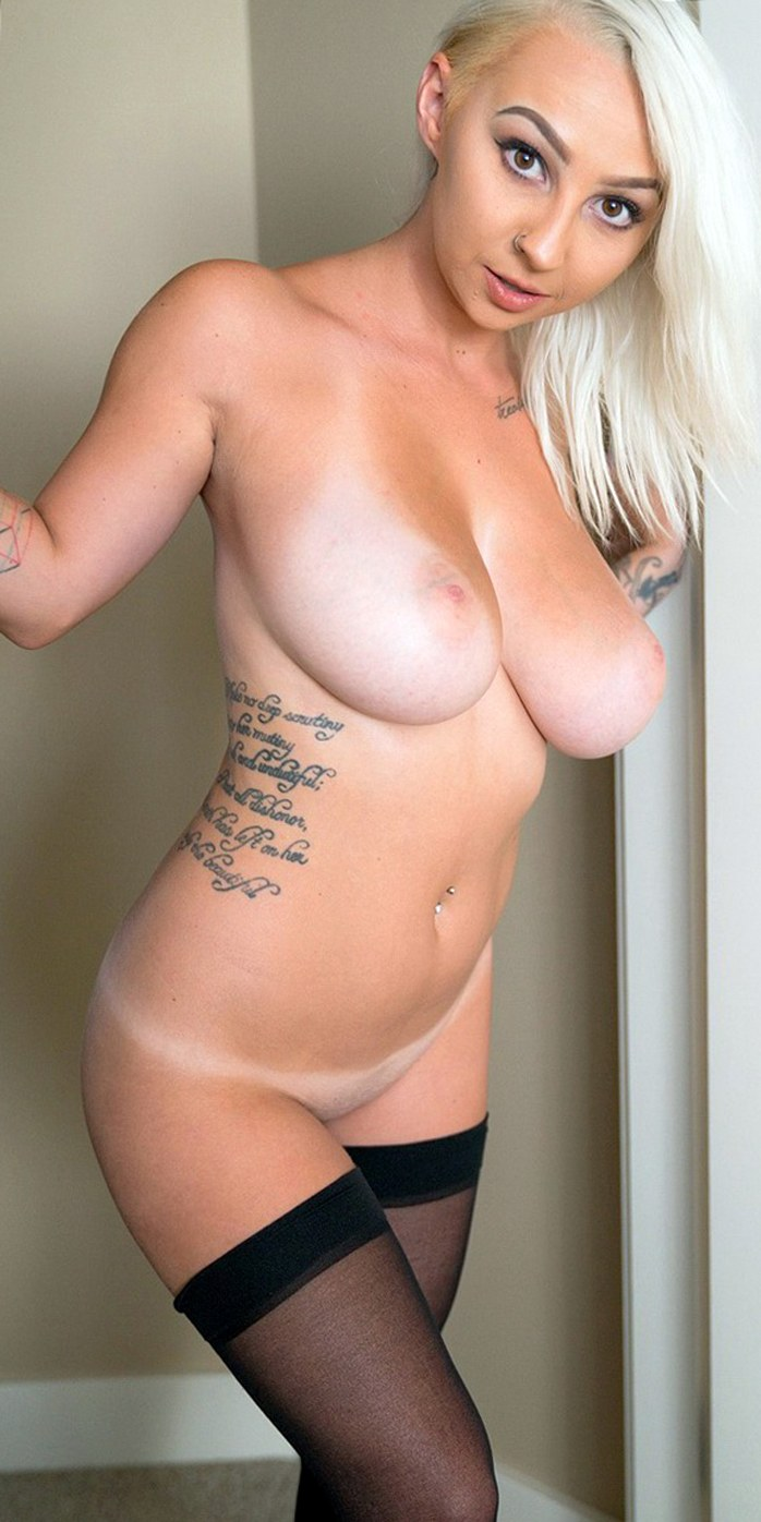 Busty blonde Jana Fox