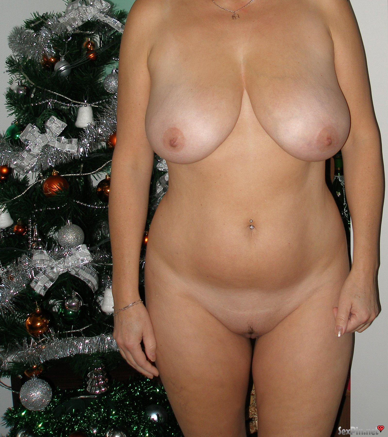Skinny Milf Natural Tits