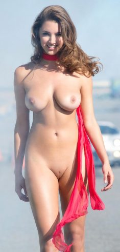 Georgeus busty girl with shaved pussy
