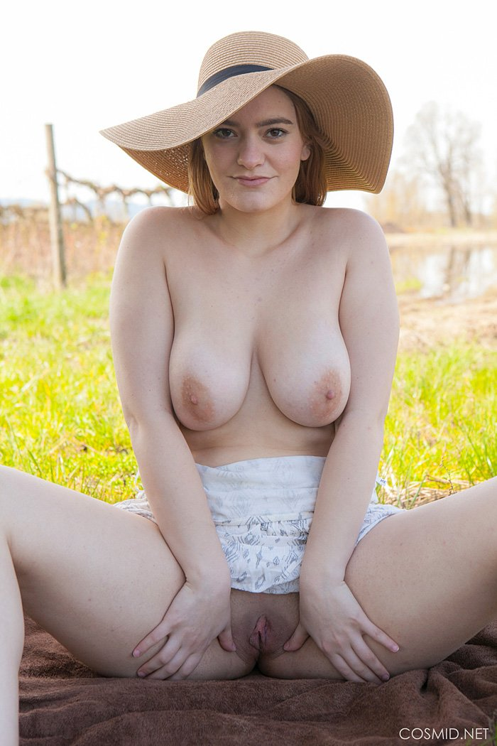 Country Girl Dallin Thorn Lifts Her Dress For Naked Upskirt Showin   Sexpinnet  Free Porn Pics And Sex Videos-9268