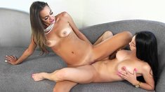Bobbi Rydell and Cyrstal Rae – Eat It Up