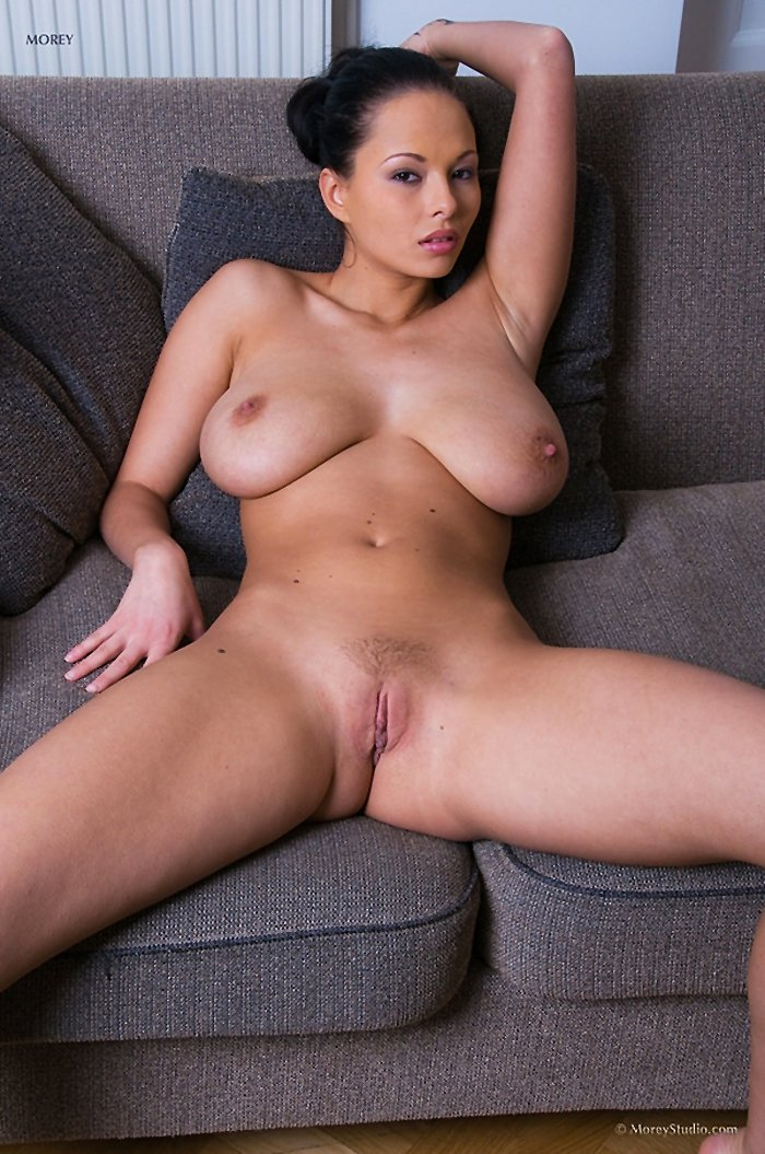 Busty Domino has very nice pussy - Image 2