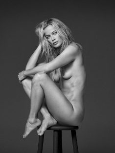 Carolyn Murphy fully nude black-&-white inage
