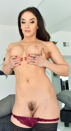 FTV Milfs – Sheena – Luscious Form