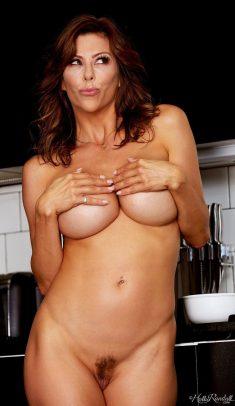 Milf with big tits Alexis Fawx breakfast show