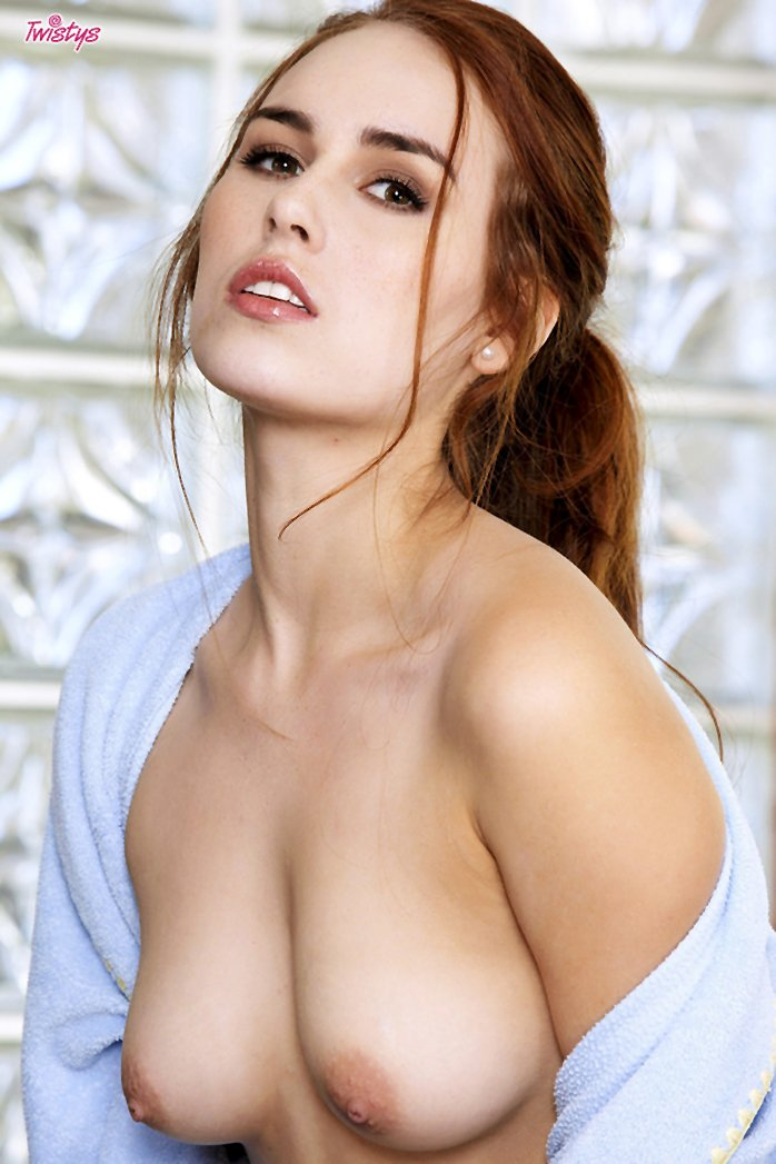 Sexy Redhead Kiki Vidis Shows Beautiful Tits And A Nice Hairy