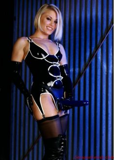 Hot Blonde In Latex Wearing Strapon StraponFetish.club