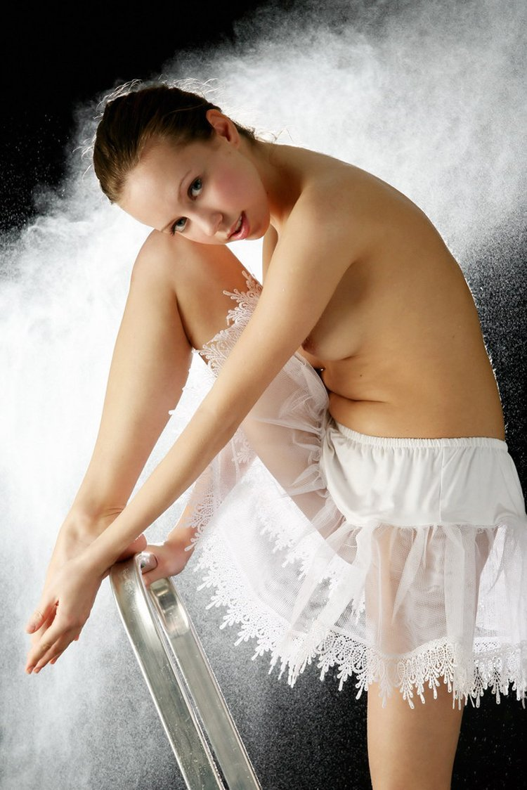 Czech girl Natasha S takes her hot white ballet skirt off and exposes her hot wet vagina - Image 1