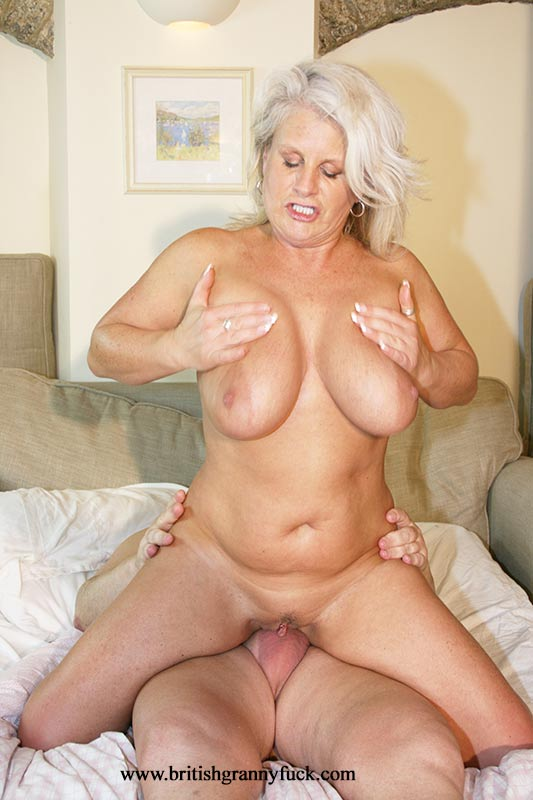 Hot British Milf Robyn Ryder