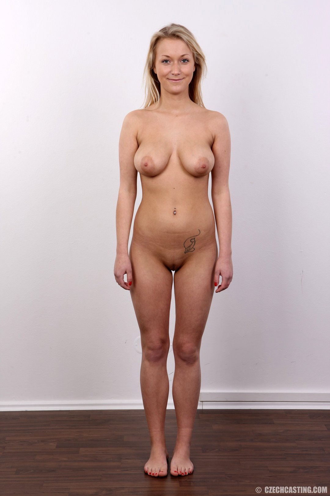 Задница онлайн молодая с большой грудью на кастинге она меня