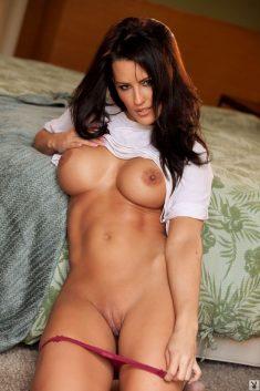 Georgeus busty brunette Jessie Shannon