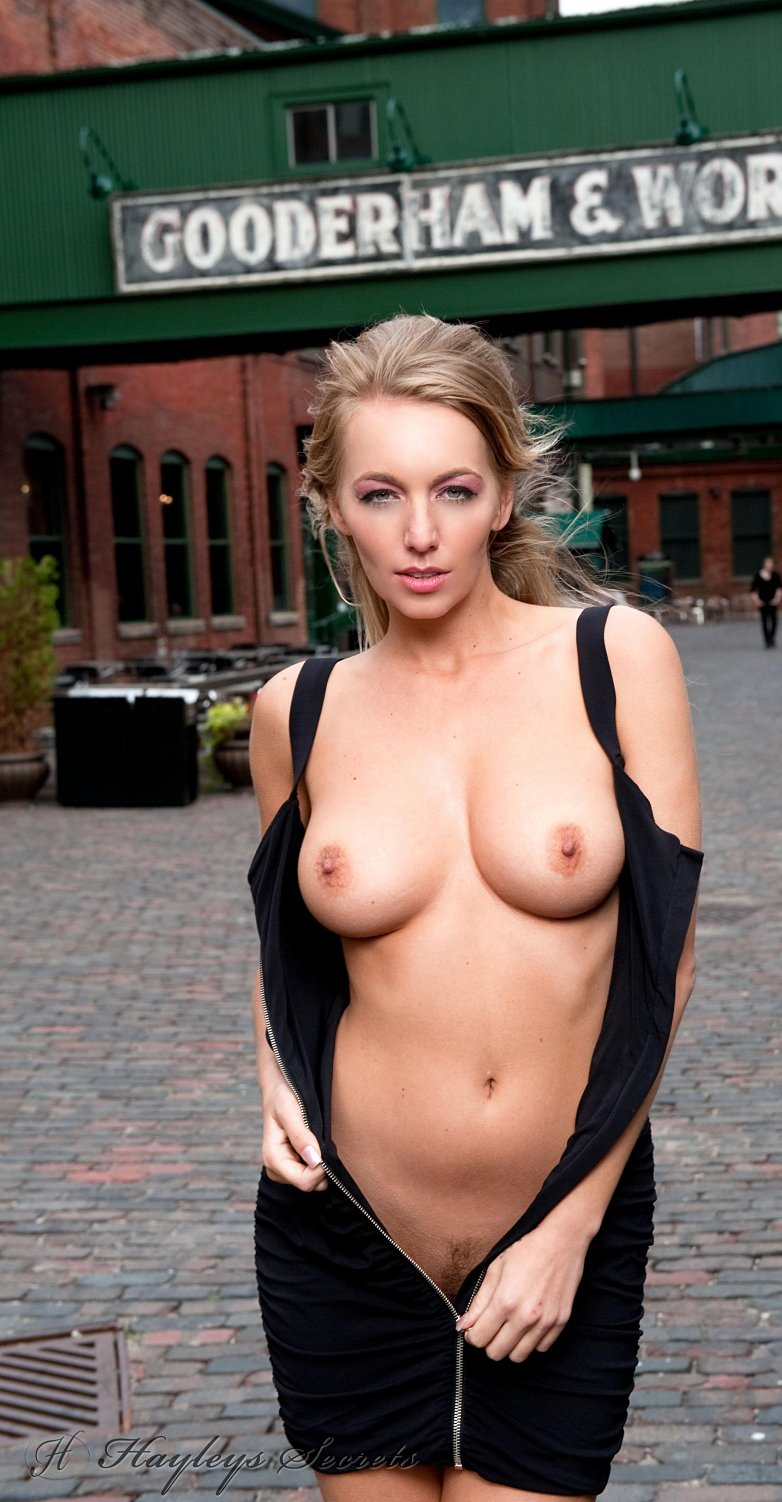 Hayley Marie loves public nudity