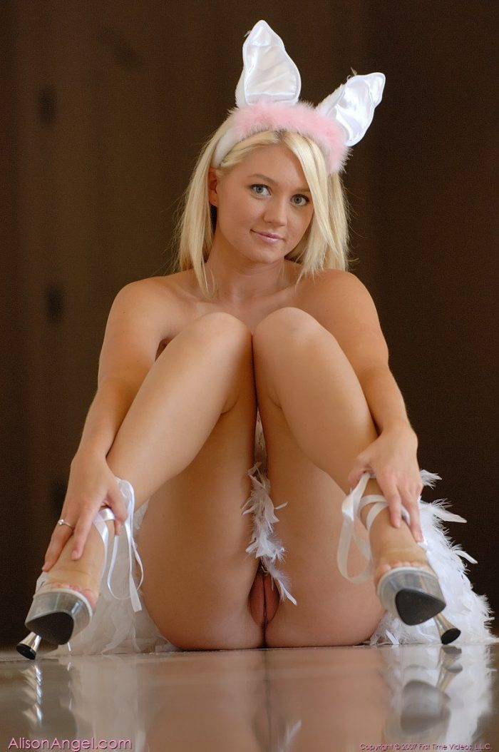 Sexy young bunny angel videos — photo 9