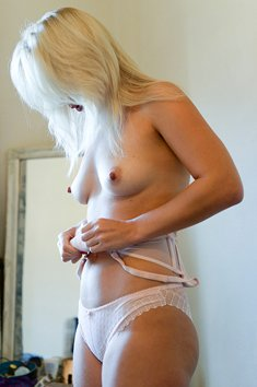 Blonde MILF Aston