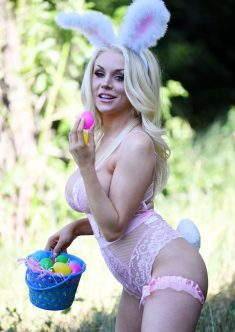 Busty blonde Courtney Stodden As The Easter Bunny