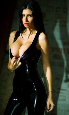 Busty babe Lilly Roma in sexy latex clothes