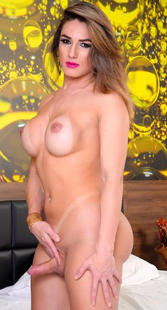 Sexy tgirl Sa Fontenelle shows her tits and dick