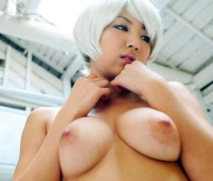 Hot asian girl with white hair poses on her live show!!