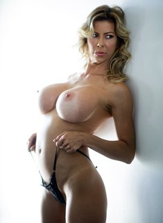 Boobed Milf Alexis Fawx shows her naked body