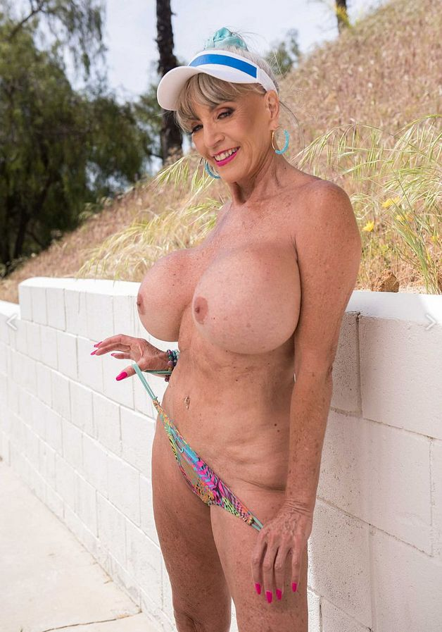 Sally D'Angelo outdoor flashing