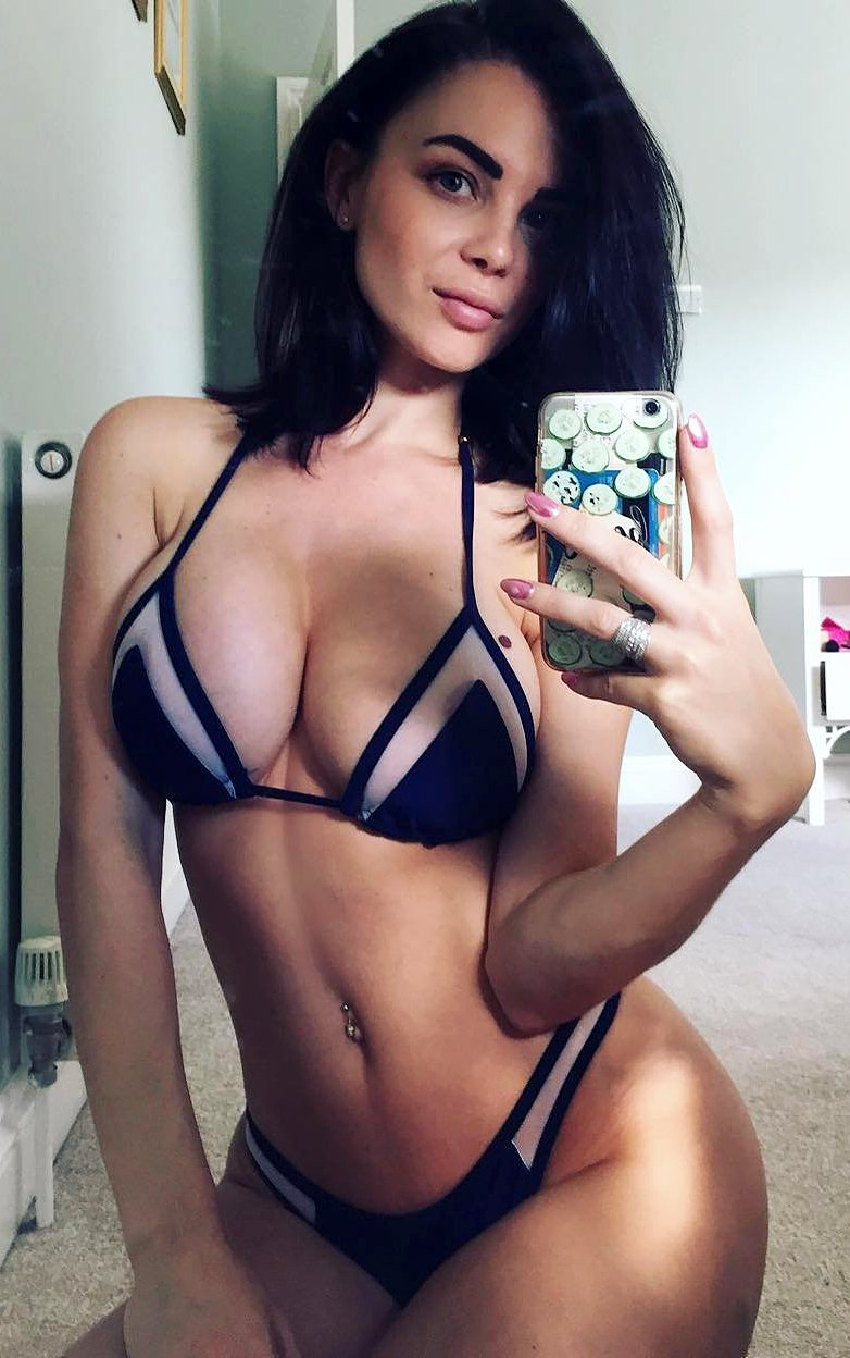 Emma Glover has set the entire world wide web on fire with her selfies