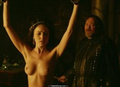 Karen Hassan nude boobs in Vikings