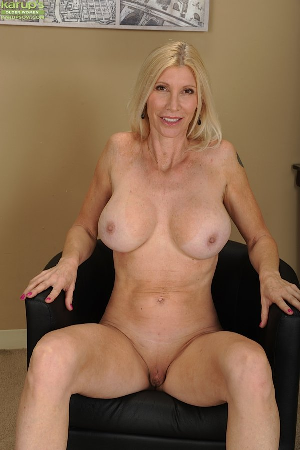 Attractive Busty Mature Blonde Wife