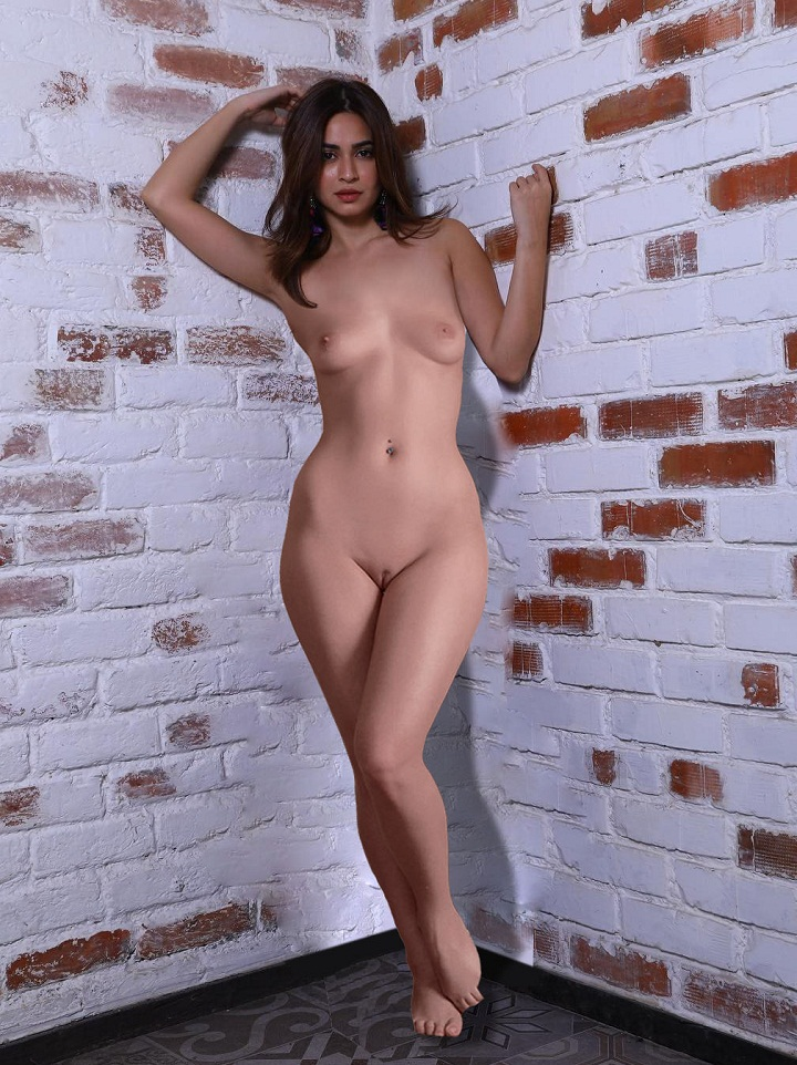 Indian film actress Kriti Kharbanda nude and showing her pussy