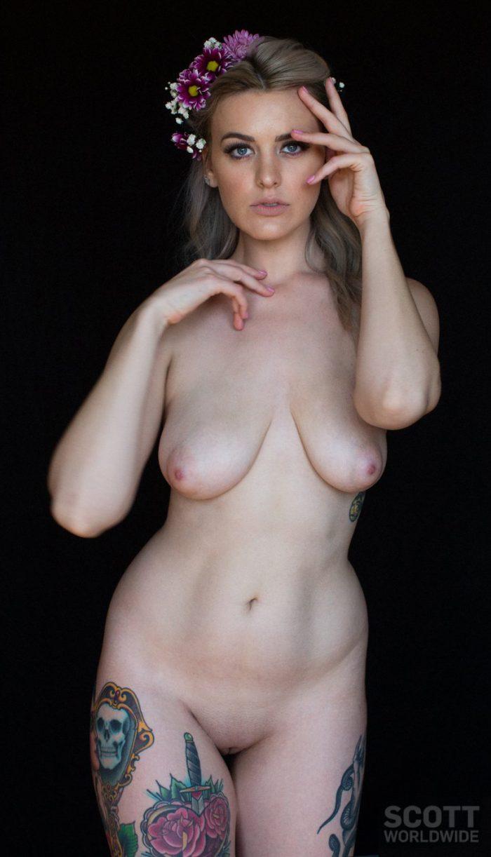Sensual erotic photos by Scott Worldwide