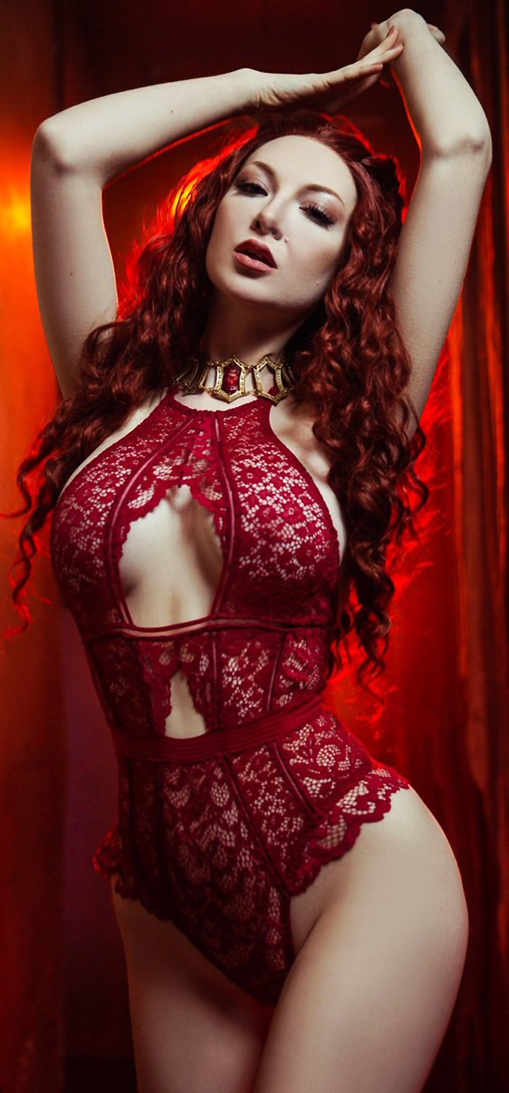 Cosplay on Melisandre from GOT