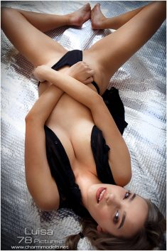 Luisa sexy glamour babe on the blinking floor