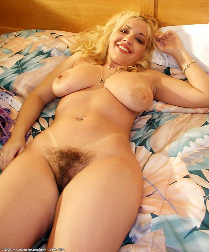 Busty blonde Traci with hairy pussy nude