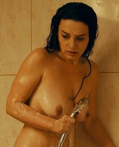 Maria Obretin nude in a bathtube