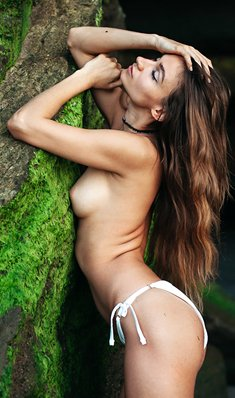 Ilvy Kokomo nude in nature