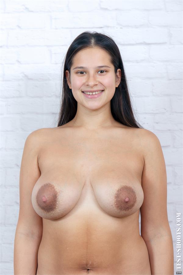 Aisedora 18yo school student poses naked casting