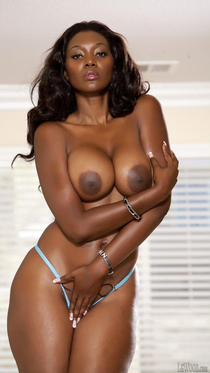 Black woman Nyomi Banxxx shows big boobs with huge areolas