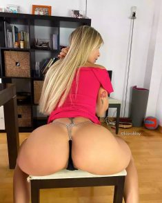 Hot blonde with big Ass